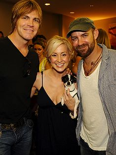 Kellie Pickler and Chihuahua Moo Moo strike a pose with singer Jack Ingram and Sugarland's Kristian Bush