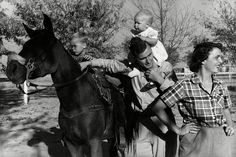PHOTO: George H. Bush with his wife, Barbara, with their children Pauline (Robin) and George W. on a horse in the yard of their Midlands, Texas ranch, Dec. Houston, Hw Bush, Jenna Bush Hager, Robin Pictures, Bush Family, Barbara Bush, Old Love, The Life