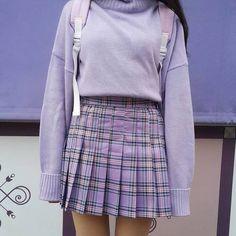 Taillierte Karofaltenröcke gehen immer - besonders mit Pullis im Rock. Besonders gut gefällt uns die Wahl der Pastelltöne! | Stylefeed