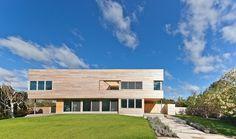 Bridgehampton Residence by Gluckman Mayner Architects