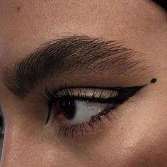 Edgy Makeup, Makeup Eye Looks, Grunge Makeup, Eyeliner Looks, Eye Makeup Art, Pretty Makeup, Makeup Inspo, Eyeshadow Makeup, Makeup Inspiration