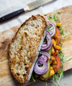 Kanapka z szarpanym chlebowcem Main Dishes, Nom Nom, Sandwiches, Tacos, Eat, Breakfast, Ethnic Recipes, Food, Roll Up Sandwiches