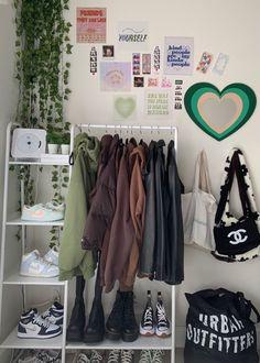Room Design Bedroom, Room Ideas Bedroom, Bedroom Decor, Bedroom Inspo, Neon Bedroom, Bedroom Ideas For Small Rooms, Indie Room Decor, Cute Room Decor, Study Room Decor