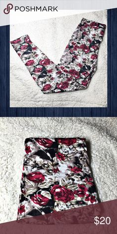🌺Floral🌺 Urban Print Fashion Legging Floral print Leggings. Brand new. Soft, stretchy and comfy! Sz is OS, but best fit would be M to XL. Pants Leggings