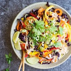 This rainbow noodle salad is absolutely full of great flavours, with rice noodles, zucchini noodles and carrot noodles, tons of crunchy veggies and a zingy sauce, every mouthful is exciting! Click th(Spiral Vegetable Recipes) Noodle Recipes, Pasta Recipes, Dinner Recipes, Cooking Recipes, Dinner Ideas, Lunch Recipes, Carrot Noodles, Zucchini Noodles, Rice Noodles