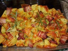 Gebackene Ofenkartoffel Rezepte mit Rosmarin, Käse, Speck Warum heute B . Good Food, Yummy Food, Tasty, Delicious Recipes, Foil Potatoes, Baked Potatoes, Rosemary Potatoes, Cheese Potatoes, Bacon