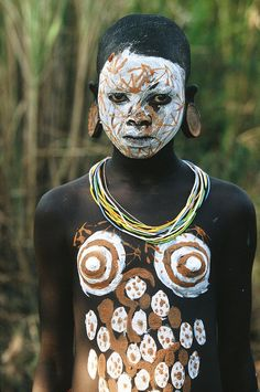 Africa | Surma girl, Omo Valley, Ethiopia. By Hans Silvester.