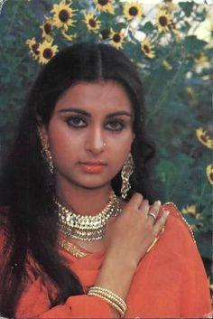 Beautiful Bollywood Actress, Beautiful Actresses, Poonam Dhillon, Indian Hindi, Karisma Kapoor, Miss India, She Movie, Bollywood Stars, Indian Beauty
