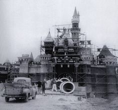 Pictures Disneyland - Old Photos and Ephemera Thread - Page 24