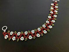 Paper Bead Jewelry, Beaded Jewelry Designs, Handmade Beaded Jewelry, Seed Bead Jewelry, Bead Jewellery, Beading Jewelry, Jewelry Crafts, Jewelry Necklaces, Bracelets
