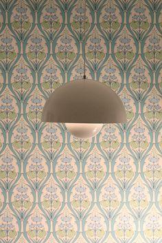 love the wallpaper!!