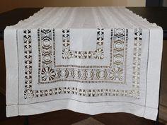 Vintage Openwork Off-White Crochet Linen Table Runner by BookCliffVintage on Etsy https://www.etsy.com/listing/276766858/vintage-openwork-off-white-crochet-linen