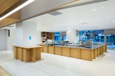 """See the detailed project description of """"Blue Bottle Coffee Shinjuku Cafe"""" in Tokyo, Japan, completed in Category: Interior Design. Coffee Shop Japan, Best Coffee Shop, Coffee Shops, Diy Interior Doors, Cafe Interior Design, Cafe Japan, Japan Interior, Blue Cafe, Blue Bottle Coffee"""