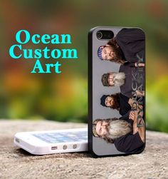 Cast of Duck Dynasty - Print on Hard Cover iPhone 4/4S Black Case