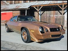 Auction Lot Anaheim, CA Believed to be original miles. 1979 Camaro, Chevrolet Camaro 1970, Camaro Iroc, 70s Muscle Cars, American Muscle Cars, My Dream Car, Dream Cars, Car Pictures, Car Pics