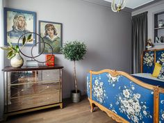 Vintage bedroom (see full home) #moscow #russia #designer #home #bed #bedroom #vintage #old #retro #grey #walls #flea #market #finds
