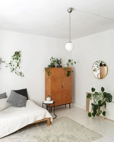 Minimalist Home Interior 17 trendy plants indoor bedroom ideas interiors.Minimalist Home Interior 17 trendy plants indoor bedroom ideas interiors Home Bedroom, Bedroom Decor, Bedroom Ideas, Bedrooms, Home Interior, Scandinavian Interior, My New Room, Minimalist Home, Home Decor Inspiration