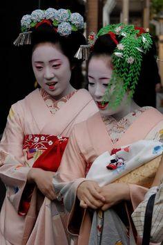 77803906_JapanMay2006-Geisha015.jpg (533×799)