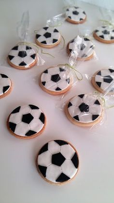Buy or bake some cookies decorate with icing and add our soccer ball icing images (cupcake size) when dry pop in cellophane bags cute little Soccer party favors ! Soccer Party Favors, Soccer Birthday Parties, Football Birthday, 2nd Birthday, Formation Patisserie, Bolo Original, Soccer Banquet, Soccer Ball, Football Cookies