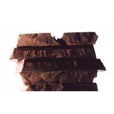 """Atelier """"LE CHOCOLAT"""" Chemin de goût au travers du chocolat : le chocolat comme un condiment, le chocolat comme une émotion ; de la tablette au gâteau, de la base à l'originalité. Le chocolat pas seulement pour son goût mais aussi pour son utilisation dans le travail du goût."""