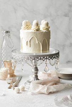 Chocolate Ganache Cake, White Chocolate Truffles, White Chocolate Buttercream, White Chocolate Cake, Vanilla Buttercream, Vanilla Cake, Chocolate Lovers, Wedding Cake Stands, Cool Wedding Cakes