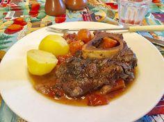 Cette recette est une adaptation de la délicieuse recette de Jarret de bœuf aux carottes du livre « Les secrets des sauces » du …
