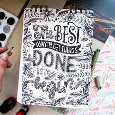 "592 curtidas, 22 comentários - Magdalena Konečná (@magda_kon) no Instagram: ""And then there's the problem with finishing those things ✨ #thatslife"""