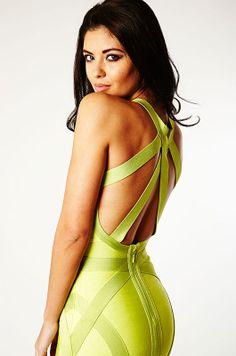 NUEVA COLECCIÓN VESTIDOS CELEBRITIS!! Vestido verde neon con diseño cruzado al frente y en la espalda. Un diseño totalmente fashion y sexy para las fiestas! Material: Nylon + Rayon + Spandex Precio 54,99€ ENTREGA DOMICILIO GRATUITA Más Detalles: http://www.corsetsymas.es/#!/~/product/category=6659060&id=33053945