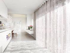 Mit Dem Richtigen Stoff Zaubert Der Vorhang Eine Zauberhafte Atmosphäre In  Ihre Wohnung. Schöner Wohnen