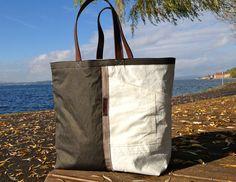 Tasche aus Segeltuch in Kombination mit gewachster Baumwolle von Rough Element