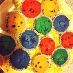 Blueberry muffins with food coloring[: