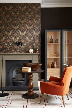 Wall Paper Design for Living Room. Wall Paper Design for Living Room. Elegant Living Room Ideas with A Neutral Color Palette Little Greene Paint Company, Wallpaper Fireplace, Fireplace Wall, Living Room Wallpaper, Bathroom Wallpaper, Living Area, Living Room Decor, 1930s House Interior Living Rooms, 1930s Living Room