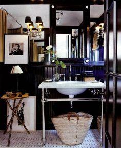 Gloss black, chrome, marble