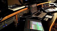良い曲は良い環境から!スタジオ・DTM部屋 画像まとめ【part.15】 | MeloDealer