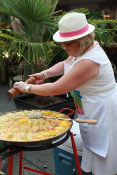 Paella...finishing touches
