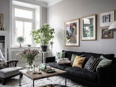 Traditional Swedish apartment with a soul In fact, a Scandinavian interior can be different. Usually, we first of all think of the furniture by IKEA, white walls and modern minimalistic spaces. ✌Pufikhomes - source of home inspiration Living Room Decor Tips, Living Room Inspiration, Living Room Designs, Inspiration Wall, Design Your Home, Home Interior Design, Luxury Interior, Black Sofa Living Room, Dark Couch
