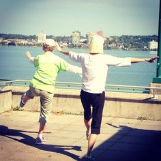 A great start to the day, seniors #exercise class on the #barrie #waterfront! #getoutandplay #getoutandexercise #visitbarrie #taichi