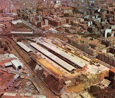 Estación de Peñuelas (Pasillo Verde, Arganzuela) - A partir de los años 50 se convirtió en la primera terminal de contenedores internacional, para lo que se construyó una aduana y se montó una grúa de pórtico. Fue cerrada en 1987. En su lugar se abrió el parque de las Peñuelas.