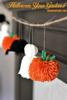 5 Free Pom Pom Projects - Marly Bird™ 5 Free Pom Pom Projects - Marly Bird™<br> Pom Poms are all over the place. Join me to look at these five FREE pom pom projects and make one of your own today. Casa Halloween, Halloween Party Decor, Holidays Halloween, Adult Halloween, Easy Halloween Decorations Diy, Fun Halloween Crafts, Halloween With Kids, Pom Pom Decorations, Outdoor Halloween
