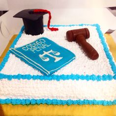 Celebra esos grandes logros con una torta So Sweet. Llámanos al (1) 625 1684 o envíanos tus diseños - #SoSweet #PastryShop #PasteleriaArtesanal #ReposteriaArtesanal #Tortas #TortasPersonalizadas #TortasEnBogota #Ponques #Postres #Artcake #Bogota www.SoSweet.com.co