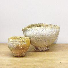 阪本健さん作 片口とぐい呑です柔らかな色が素敵です白に見えたり黄色っぽく見えたり色の変化が楽しめそうです(oo) #織部 #織部下北沢店 #陶器 #器 #ceramics #pottery #clay #craft #handmade #oribe #tableware #porcelain