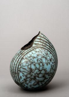 "canon-in-g: "" Raku sculpture by Hilary Simms "" Pottery Handbuilding, Raku Pottery, Pottery Sculpture, Pottery Art, Roseville Pottery, Kintsugi, Keramik Design, Sculptures Céramiques, Keramik Vase"