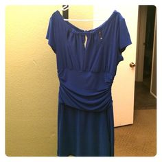 Sexy little dress Royal blue above the knee dress. Says size 16 but it's really a 12. Accents your waist and gives your top a seductive silhouette. Can be work slightly off the shoulders. It's gorgeous! Definitely one of my favorite dresses. Bisou Bisou Dresses Midi