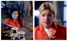 Shay Mitchell (Emily Fields) & Ashley Benson (Hanna Marin) - Pretty Little Liars