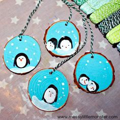 How to make fingerprint penguin wood slice Christmas ornaments. An easy kid - made Christmas ornament DIY for toddlers and preschoolers that doubles up as a keepsake. Great for a penguin, snow or winter project. Kids Make Christmas Ornaments, Student Christmas Gifts, Preschool Christmas Crafts, Christmas Gifts For Parents, Penguin Ornaments, Holiday Crafts For Kids, Christmas Christmas, Ornaments Ideas, Holiday Gifts