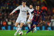 Gareth Bale del Real Madrid CF es perseguido por Neymar de Barcelona durante el partido de Liga entre el FC Barcelona y el Real Madrid CF en el Camp Nou el 22 de marzo de 2015, de Barcelona, España.