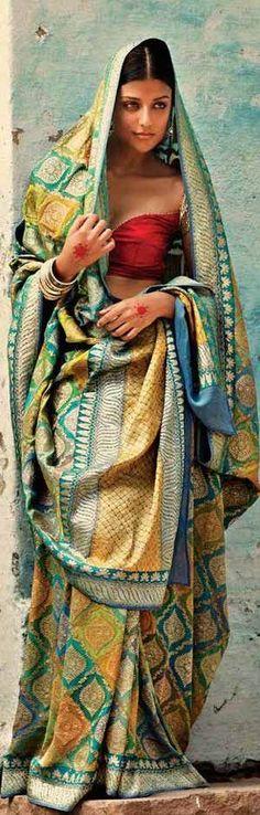 By L'affaire. Bridelan - Personal shopper & style consultants for Indian/NRI weddings, website www.bridelan.com#traditional #banarasi #weavesofbanaras #regal #royal #varanasiweaves #banarasirevival #indianwedding #indianwear #banaras