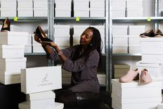 We applaud women that take matters into their own hands and try to fill a gap in the market!  Meet Your Tall Sister Marie Camara she founded LIMANYAA, a shoe company based in France that sells quality shoes handcrafted  in portugal focussed on larger sizes (EU 41-46 / US 10-15)  _____________ . . . . . . . #TheTallSociety #TallTribe #PlusIsEqual #CelebrateMySize #BodyPositivity #TallGirl #TallStyle #realbeauty #InstaStyle #Brunch #MeetUps #TeamTall #tallgirl #tallwomen #tallbopo