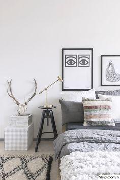 Makuuhuone täynnä rentouttavaa tunnelmaa #styleroom #harmaa #makuuhuone #inspiroivakoti Täällä asuu: laurajuulia