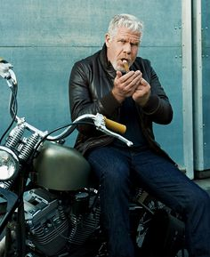 "Amazing actor & as a fellow stogie lover, I would love to smoke a good cigar with him. Ron Perlman, a self-confessed big dreamer, is basking in the glow of his hit show ""Sons of Anarchy"" and looking for the next big thing. Ron Perlman, Cigars And Whiskey, Good Cigars, Cigarette Men, Smoking Celebrities, Look Into My Eyes, Cigar Smoking, Man Smoking, Sportbikes"